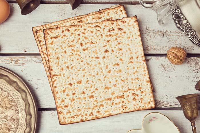 Plato del Seder de Pesaj: Una guía rápida de su significado.